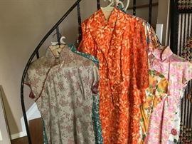 Vintage Chinese Silk Ladies clothing, very good condition