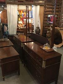 Baker 5 piece 4 post bedroom set ..was $1800 .Now $600...