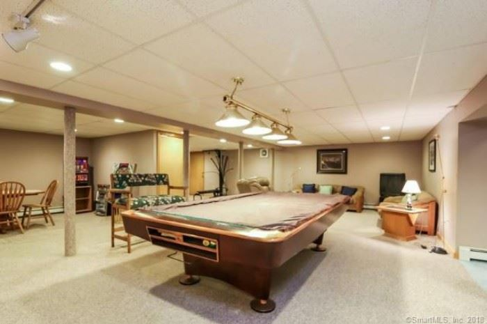 Brunswick Gold Series Pool Table