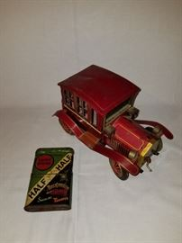 1960' battery operated tin car