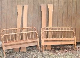 Jenny Lind 3/4 Beds saying as a pair