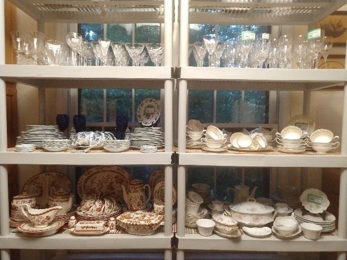 Get your china fix at this sale! VERY nice, complete sets of GOOD stuff - not the Home Goods variety...