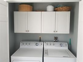 Great cabinets (match those in kitchen)