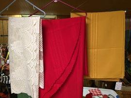 Linens/Tablecloths
