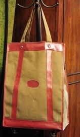 Rolling Tote Bag in Canvas Leather.