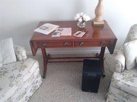 Duncan Phyfe sofa table w/ drop leafs