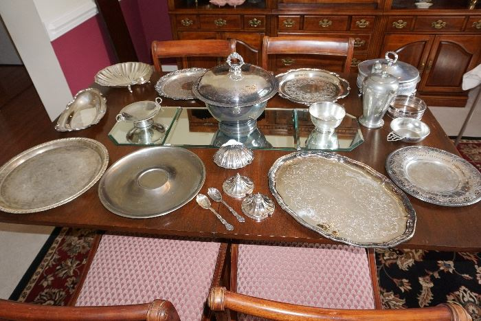 Howie And Huggins Estate Tag Sale