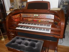Deluxe Lowery Organ