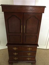 Extra large Jewelry Chest
