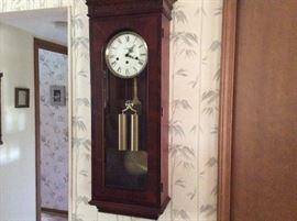 HOWARD MILLER WALL CLOCK IN PERFECT CONDITION