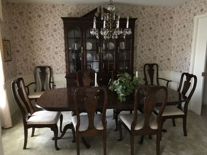 Beautiful Drexel Dining Room Table With 8 Chairs And Drexel China Cabinet