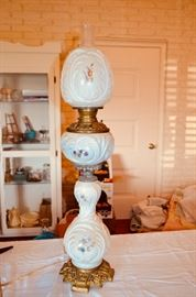 Victorian parlor / banquet lamp - has been wired, damage on globe