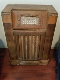 Vintage  Radio/Record player