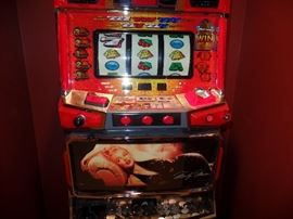 Marilyn Monroe slot machine