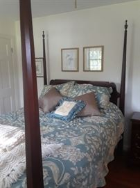 Queen size Lexington pencil post bed