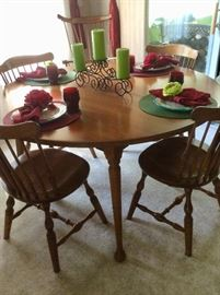 Dining Room oak table and chairs, 2 leafs