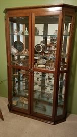 Beautiful, Beautiful Large and glorious Curio Cabinet