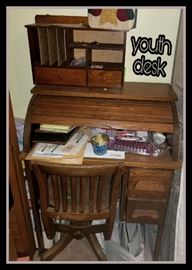 Nice youth roll top desk