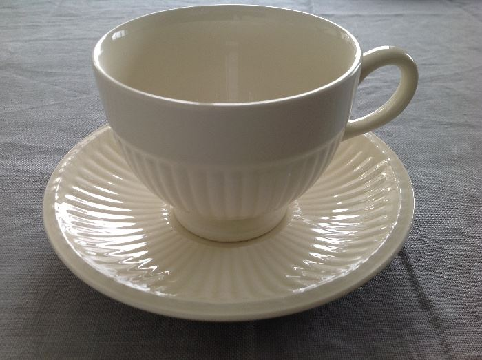 """WEDGEWOOD CREMEDISHWARE: Set of 12, 5-piece place settings.Each 5-piece place setting consists of: One dinner plate: 10.5"""". One salad/dessert plate: 8 1/8"""". One bread plate: One Cup. 6 3/8"""". One saucer. 5.75"""". 8 soup bowls included. Excellent, clean condition. No chips."""