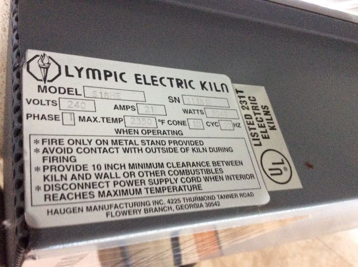 Olympic Electric Kiln Model S18HE. Bartlett Model V6-CF Kiln Controller.