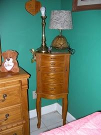 Jewelry chest, coconut lamp