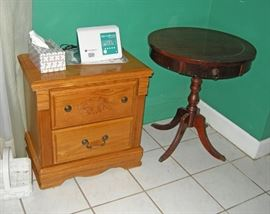 Night stand and accent table