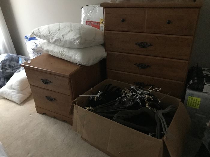 Dresser and 2 night stands $100