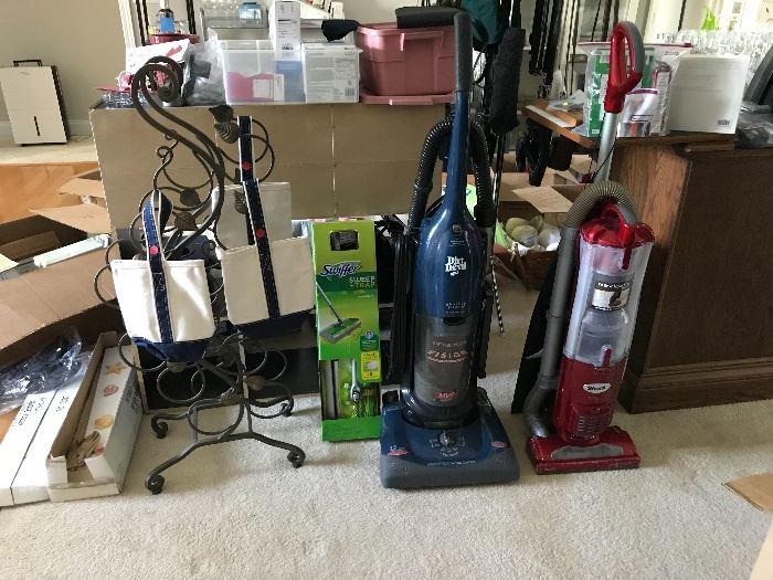 Wine rack, wine bags (hold 2 750ml bottles per bag), 2 vacuums.