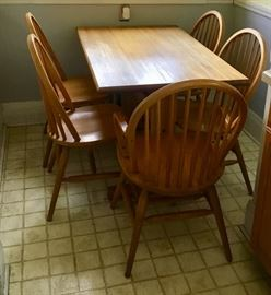 Solid Oak wood Kitchen table and 5 chairs