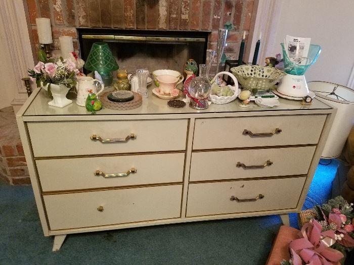 Huntley Ladies Dresser