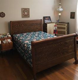 Antique Sleigh Bed w/ Full Mattress & Box Spring, Steamer Trunk, Hanging Lamp