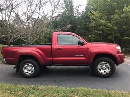 2007 Tacoma Pre-Runner SR5,Regular Cab,  2 wheel drive, 5 speed manual, compost bed                               <38429 miles=&quot;&quot; miles=&quot;&quot;></38429>