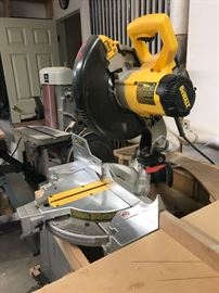 Dewalt  10 inch cut off saw w laser sight