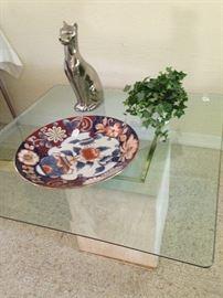 Imari style platter; poised kitty