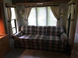 Couch (2nd bed) in Holiday Rambler
