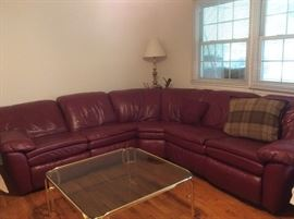 3 piece burgundy leather sectional with recliners on both ends
