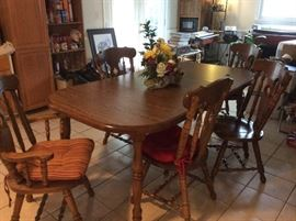 Dining Room Table, 2 captain's chairs, 4 regular chairs, 2 leafs