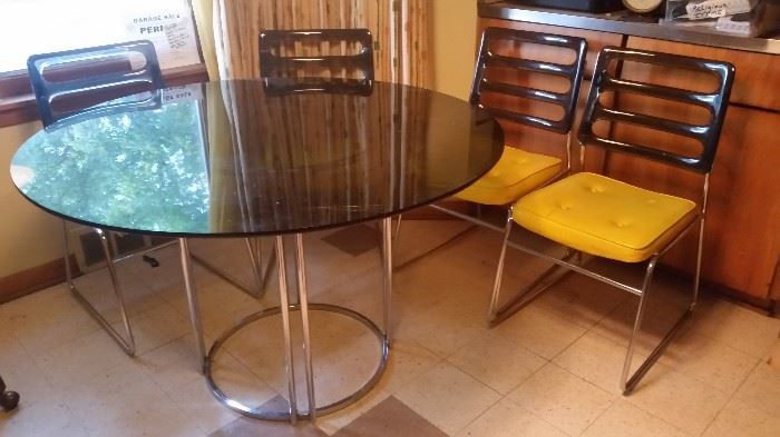 Vintage Chromcraft lucite chairs and glass topped table, have 6 chairs, a few need re-upholstery