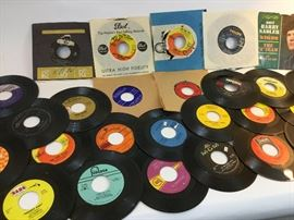 45s Record Lot          http://www.ctonlineauctions.com/detail.asp?id=745232