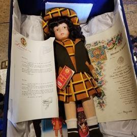 Lensi doll in box