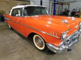 #1 Concours 1957 Chevy Bel Air convertible 8 miles award winning Original Factory restored