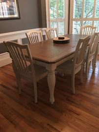 Farmhouse style Table with removable leaf