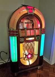 Wurlitzer model 1015 jukebox
