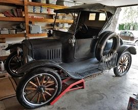 1923 Ford Model T - please note: we will be taking sealed bids on this item. When doing so, please put your highest bid that you are willing to pay. We will not contact you, once you have placed your bid, unless you have the highest bid
