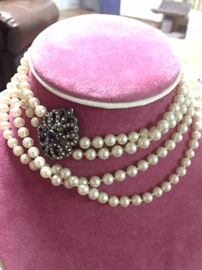 Costume fine quality Pearls
