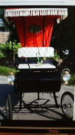 ****TAKING BIDS Friday****online at: proqfineart@gmail.com, in person and via text to: 314-601-1899*****1901 Replica Oldsmobile - Surrey style vehicle-------- Led the New Orleans Shrine parade in 1960 with Authur Godfrey