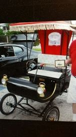 ****Taking bids****1901 Olds replica - Excellent condition!