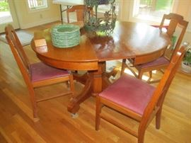oak kitchen table with 2 pine leaves and 4 chairs