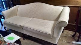 Traditional Style Sofa.