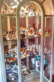 Disney figurines & bell collection